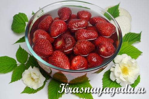 ягодный напиток с мягким знаком